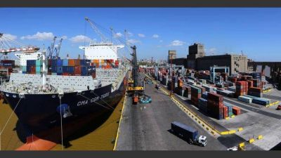 Sorpresivo paro en aduanas frena el comercio exterior