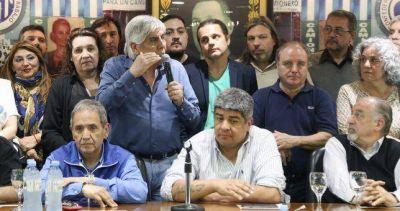 """Para Moyano, la contundencia del paro demostró que """"el pueblo argentino que está por encima de los dirigentes"""""""