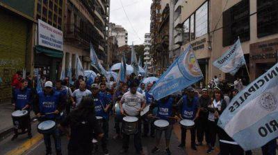 Unidad de Acción Sindical movilizó fuerte por el centro de la ciudad