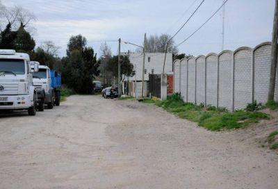 Vecinos de Margarita Galfre al 600 exigen que se finalice la obra de cloacas que quedó inconclusa