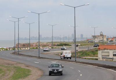 Renovarán las luminarias en los accesos a la ciudad y en las rutas a la costa