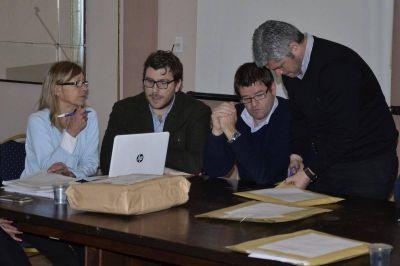 Concesiones: Por las dudas los concejales también revisarán los sobres del Kabryl