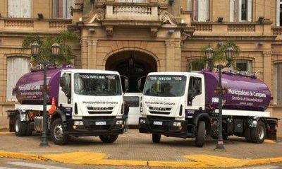 La flota de vehículos del Municipio sumó dos nuevos camiones regadores
