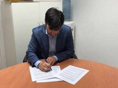 Echarren firmó por POR 50 millones de pesos para asfalto