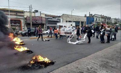 Tras los despidos, trabajadores de Gaelle reclamaron por indemnizaciones