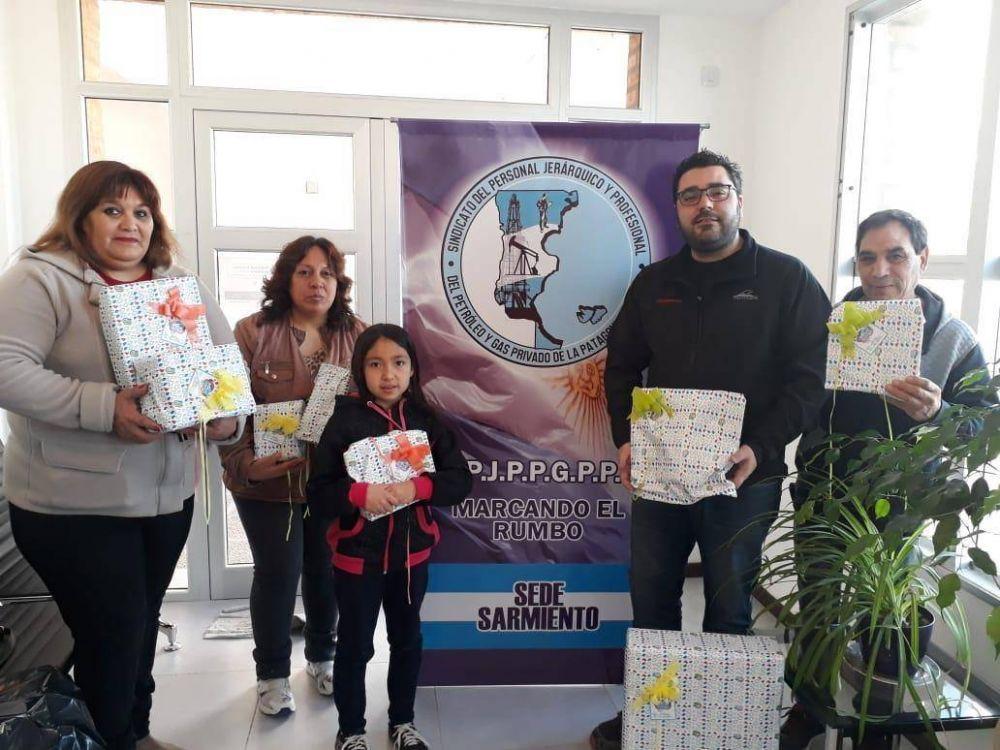 Petroleros Jerárquicos realizó donación de juguetes a un comedor de Sarmiento