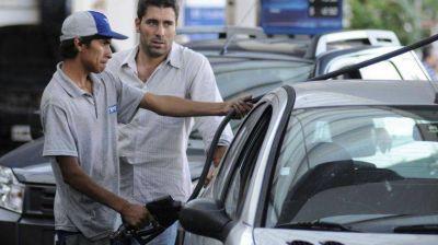 Otra vez sube la nafta: YPF aumentó 10% sus precios y Axion un 8,9%