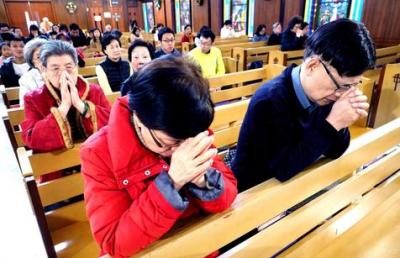 Tras el acuerdo con la Santa Sede, los católicos chinos rezan por Francisco