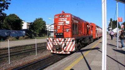 Hubo acuerdo salarial y levantaron el paro de trenes de este martes