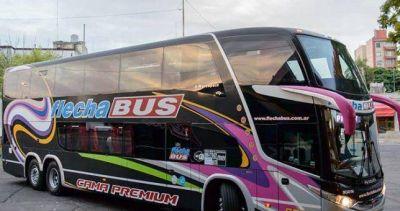 Denuncian al menos 40 despidos en Flecha bus