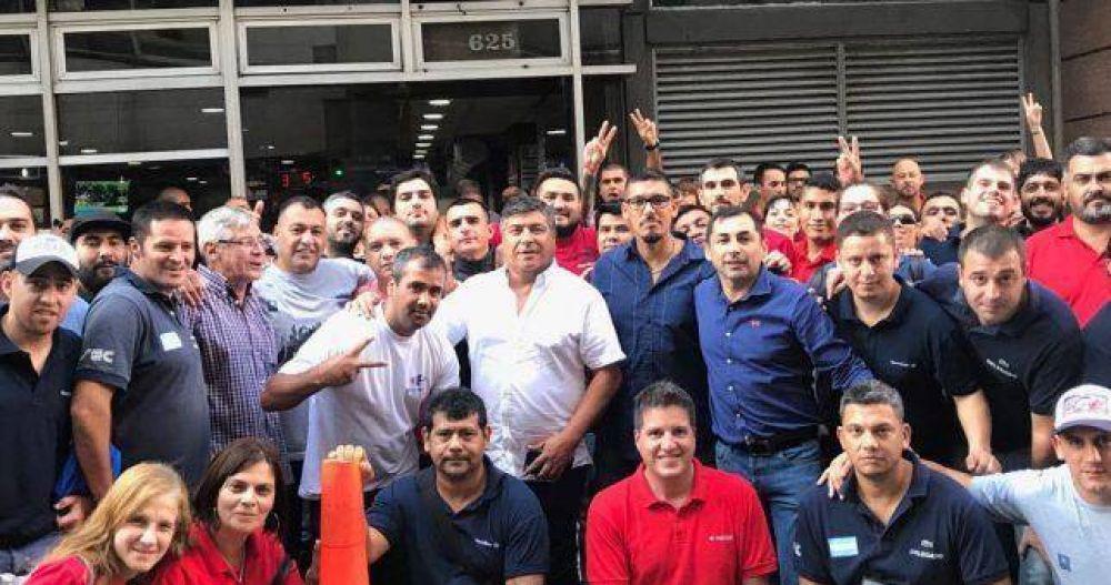 Partidarios de Muerza ocuparon el Sindicato de Comercio para denunciar que Cavalieri quiere robarles la elección