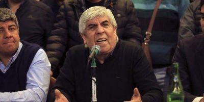 """Hugo Moyano, durísimo con Urtubey: """"En Salta le da de comer a la gente desde un helicóptero y es más de Cambiemos que del peronismo"""""""