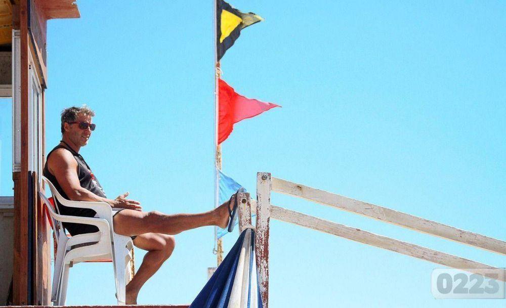 Conflicto entre el municipio y guardavidas: advierten que se resentirá el servicio de seguridad en playas