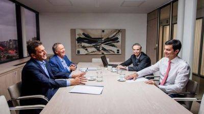 Fotos con un vacío en la cabecera: el PJ se reagrupa, por ahora sin líder