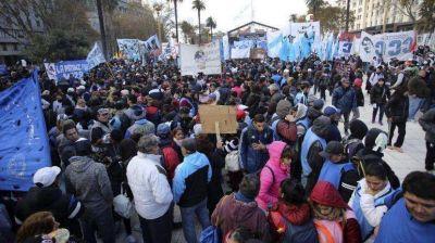 Con apoyo de CGT, gremios industriales marchan contra Sica
