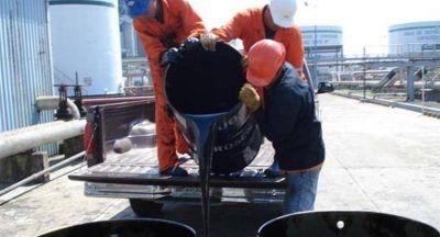 Más presión para las naftas: el petróleo Brent tocó máximo de octubre de 2014