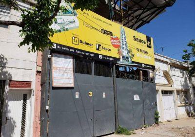 Dubner Construcciones: Clausuran obra por obstrucción de cañerías