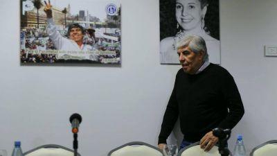 """Hugo Moyano vuelve al PJ: tendrá una butaca en la """"mesa redonda"""" de la sede de Matheu"""