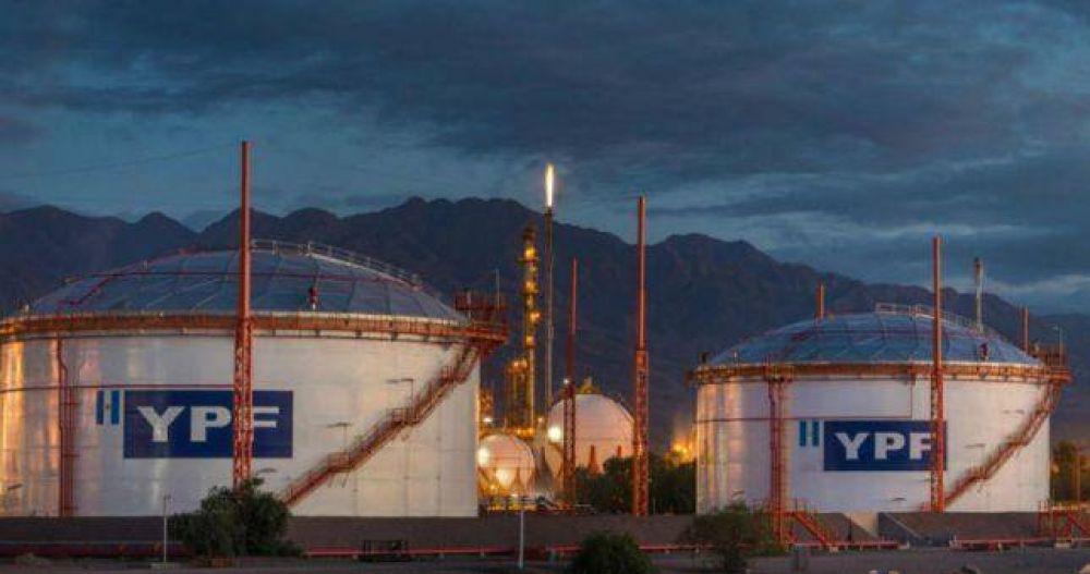 Petroleros reabrieron paritarias en YPF y acordaron 35% hasta diciembre