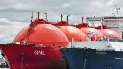Llega delegación de Qatar que evalúa construir una terminal de gas licuado