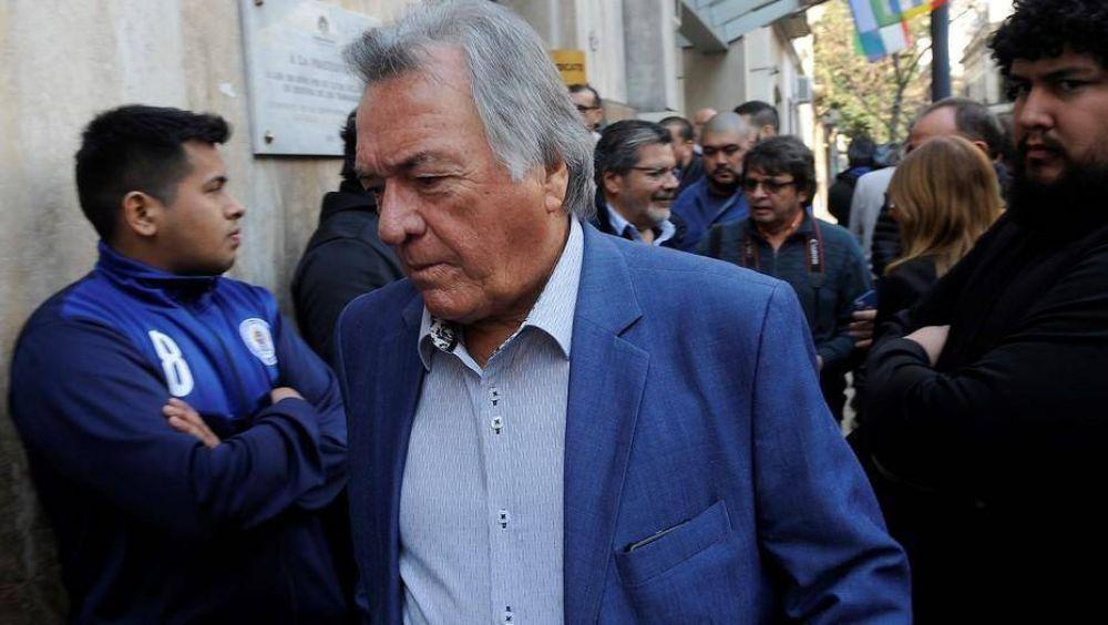 Luis Barrionuevo se metió en la interna oficialista con una chicana a Carrió