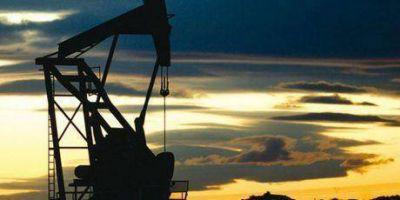 El petróleo baja por indicios de que EEUU mitigaría sanciones a Irán