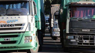 Camioneros de Concordia analizan paralizar la salida del transporte de carga
