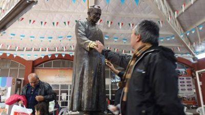 Padre Mario Pantaleo, el que llegó a imponerles las manos a 3.000 enfermos en un solo día