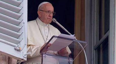 El video del Papa: en octubre rezar el Rosario por la Iglesia