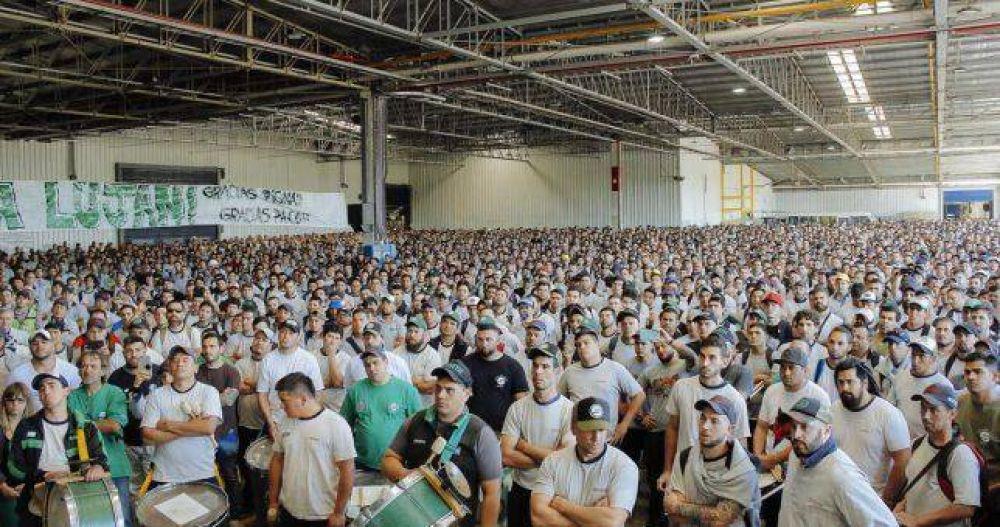 En una asamblea multitudinaria, Smata confirmó que moviliza a Lujan para que el Gobierno cambie su política económica