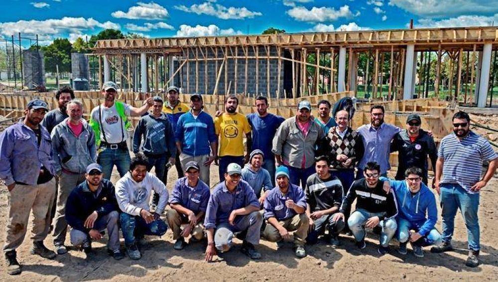 Obras de cloacas con fondos municipales para dos barrios