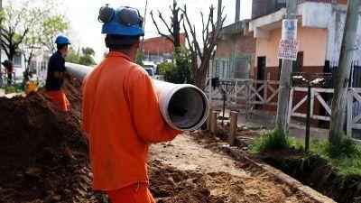 Morón: Las obras de cloacas continúan en Castelar Sur