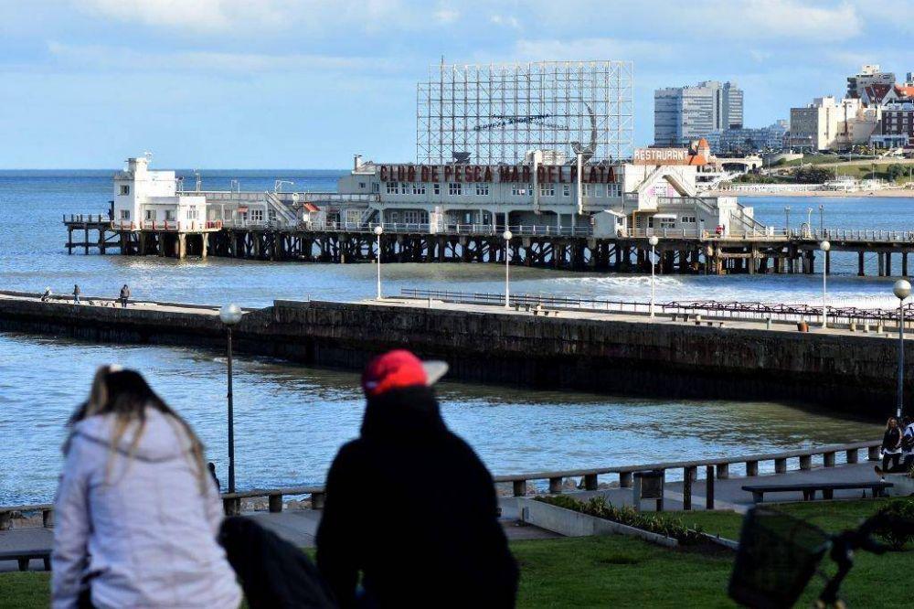 Desde la UCR y el PJ critican la vuelta del cartel al Club de Pesca