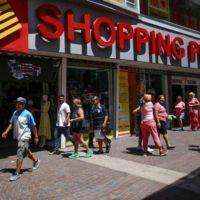 Las ventas durante el fin de semana largo cayeron un 14%