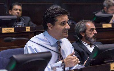 """Abad: """"Detrás de las agresiones a la gobernadora están siempre los mismos grupos de poder"""""""