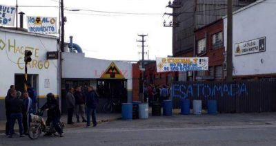 Luego del anuncio de cierre, ocuparon la Metalúrgica Tandil