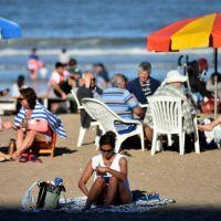 Fin de semana largo: cayeron las ventas y aumentaron las consultas para el verano