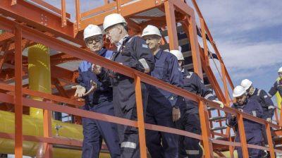 El Gobierno contemplaría el cierre la de unidad de importación de GNL
