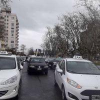 Taxistas acusan a Remisería Única por su proyecto de ordenanza