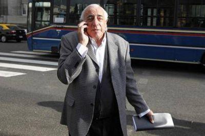 Roberto Fernández, el jefe de los colectiveros, extiende su reinado en la UTA