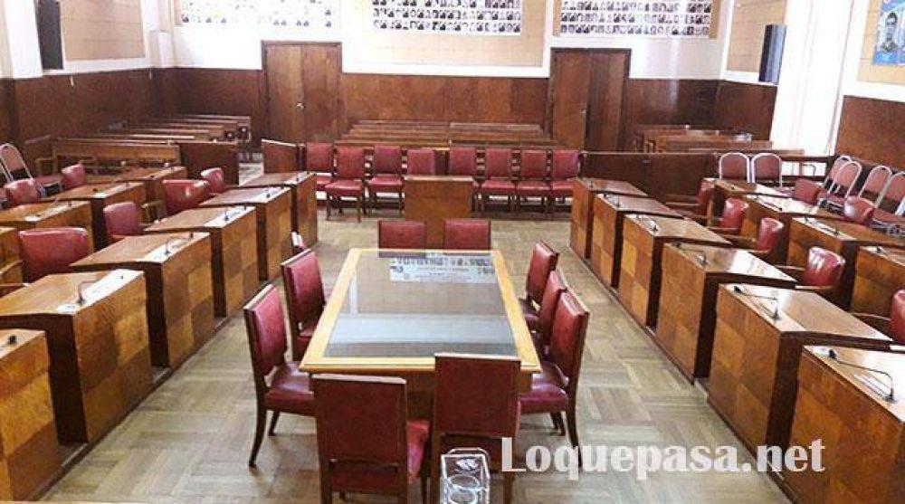 Reencasillamientos: empleados del Concejo volverían al paro y no habría sesión