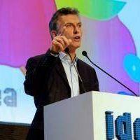 Macri cierra el Coloquio de IDEA y movimientos sociales marchan para protestar