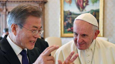 """El Papa: """"Estoy dispuesto a visitar Corea del Norte"""""""