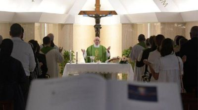 El Papa quiere cristianos empujados por el Espíritu Santo hacia fuera, hacia el horizonte