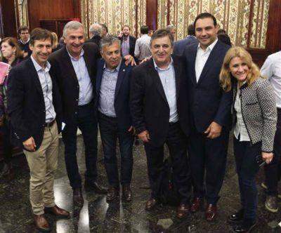 La UCR criticó la ayuda social y evalúa competir contra Macri