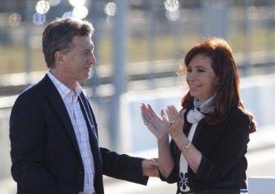 La autoestima de Macri, la campaña de Cristina y el Círculo Rojo en el outlet del peronismo
