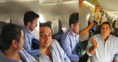 Insultaron a Triaca en medio de un viaje en avión