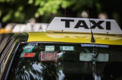 Taxistas pidieron aumentar la bajada a $52,50 y la ficha a $3,50