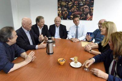 ¿Dilema para López? Massa se reunió con Alfonsín y los socialistas