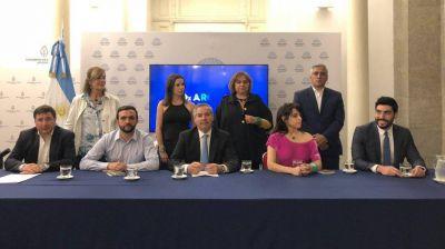 Facundo Moyano, ¿el lazo sindical de Solá?
